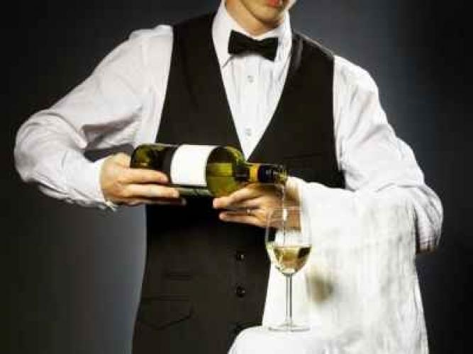 8 quy tắc phục vụ rượu vang trong nhà hàng
