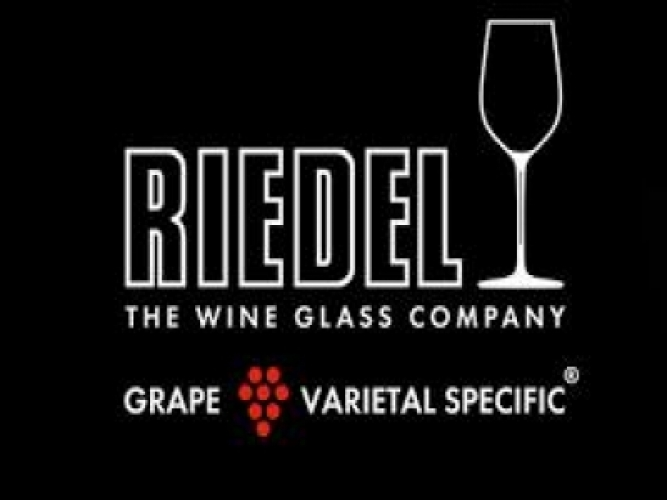 Những mốc son đáng nhớ của hãng sản xuất ly rượu vang Riedel