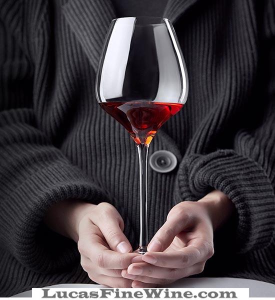 Ly rượu vang Pinot Noir Lucana-005